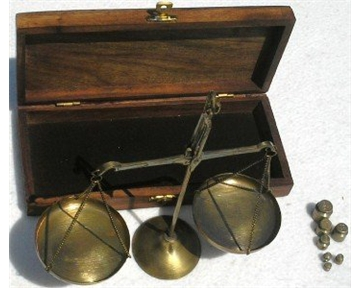 50 Gram Brass Jewelry Balance Scale in Wood Case with Weights